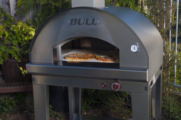 טאבון גז למטבח גינה: עגלת תנור פיצה גדולה במיוחד אקסטרא לארג' (טאבון) Extra Large Gas Pizza Oven , חברת BULL BBQ